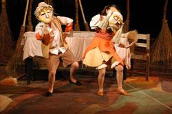 Compania Divadlo presenta Hansel y Gretel en el Teatro Julio Castillo