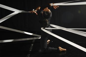 Isabel Beteta estrenó El (D)Efecto en el Centro Cultural Los Talleres, agosto 2009