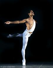 José Carreño vuelca su expresividad en Carmina Burana que se presenta en el Auditorio Nacional, octubre 2009