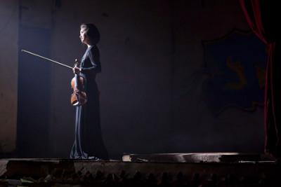 Sayaka Shoji se presenta con la Orquesta Filarmonica de San Petersburgo dirigida por Yuri Temirkanov. Palacio de Bellas Artes, marzo 2014.