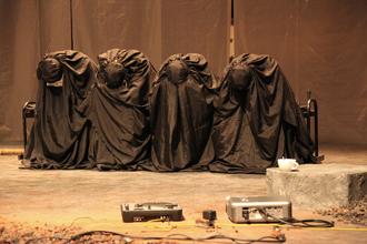 Compañía Nacional de Teatro lleva a escena Ni el sol ni la muerte pueden mirarse de frente en el CENART, marzo 2009