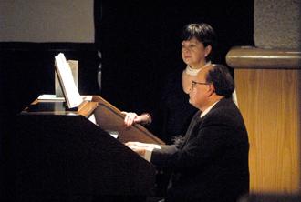 Juan Manuel Lara y Lorena Díaz presentes en el homenaje que Conaculta y el Instituto Nacional de Bellas Artes rindiron en memoria del centenario del nacimiento de Miguel Bernal Jiménez, febrero 2010