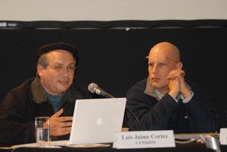 Luis Jaime Cortez y Javier Álvarez en el homenaje que Conaculta y el Instituto Nacional de Bellas Artes rindieron en memoria del centenario del nacimiento de Miguel Bernal Jiménez, febrero 2010